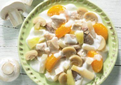Geflügelsalat mit Früchten