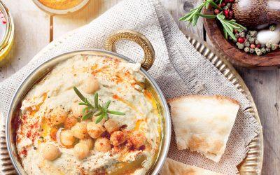 Holen Sie sich den Orient nach Hause – zum Beispiel mit Hummus